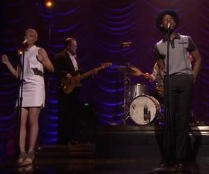 "Leon Bridges ""Coming Home"" Live @ Jimmy Fallon"