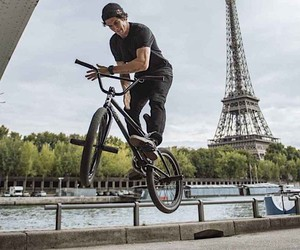 Matthias Dandois shows us his Paris