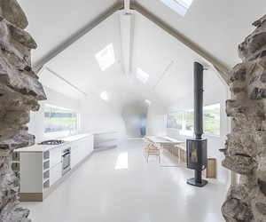 House in Scotland uses the ruins of its predecesso