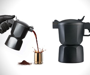 Noir Pistol Coffee Maker