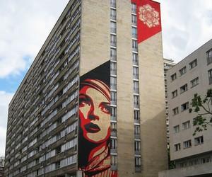 """Streetart: Shepard Fairey """"Rise Above Rebel"""" Mural"""