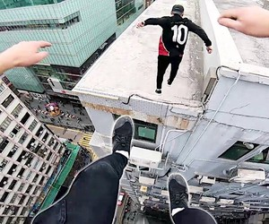 Parkour Group Storror jumps from roof to roof