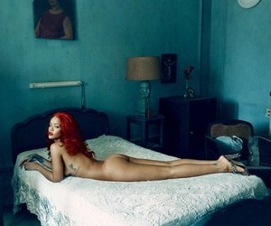 Rihanna Covers Latest Issue Of Vanity Fair