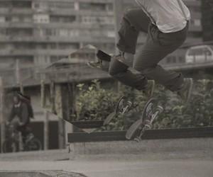 Skateboarding: High – a skate trip by Daniel Etura