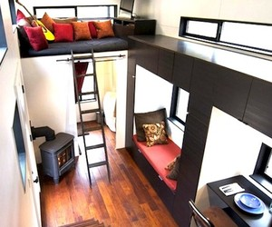 Small 220 Square Foot Mobile House