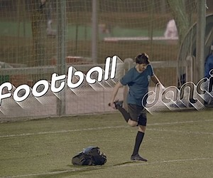 """Dancing Football"": Líbero can Kicker dance involu"