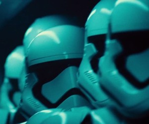 Star Wars: Episode 7 - The Force Awakens Trailer