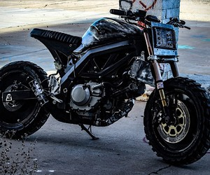 "Droog Moto turns a BIke a ""Mad Max"" Machine"