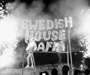 "Swedish House Mafia ""Save the World (Live)"""