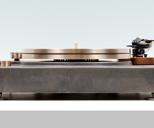 Fern & Roby Turntable