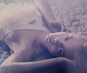 Cara Delevinge by Sølve Sundsbø for Vogue Nippon