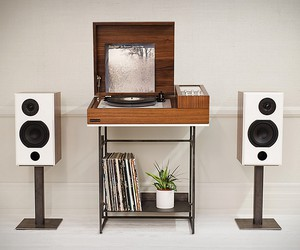 Wrensilva Loft Record Console