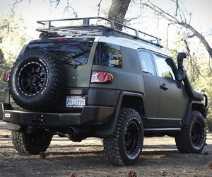 TOYOTA FJ CRUISER BY XPLORE VEHICLES