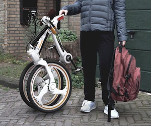 Foldable solution of practice for bicycle commuter